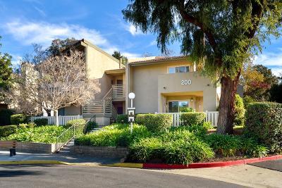 Thousand Oaks Condo/Townhouse For Sale: 200 Oakleaf Drive #202