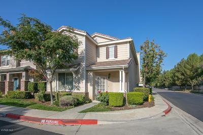 Simi Valley Single Family Home For Sale: 2565 Cloverleaf Lane