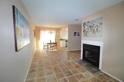 Santa Paula Condo/Townhouse For Sale: 125 East Ventura Street #E