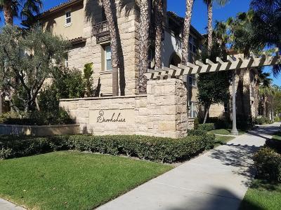 Camarillo Condo/Townhouse For Sale: 259 Riverdale Court #252