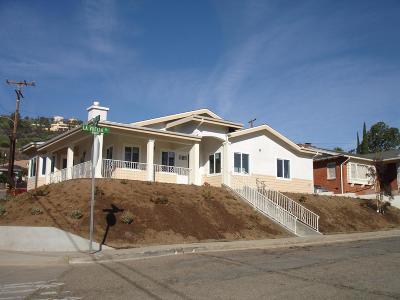 Santa Paula Single Family Home For Sale: 951 La Vuelta Place
