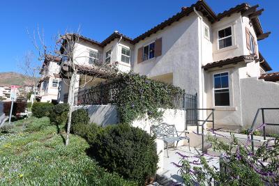 Ventura County Condo/Townhouse For Sale: 160 Via Katrina