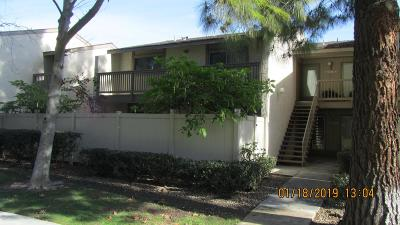 Moorpark Condo/Townhouse For Sale: 15266 Campus Park Drive #E