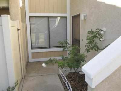 Simi Valley CA Condo/Townhouse For Sale: $320,000