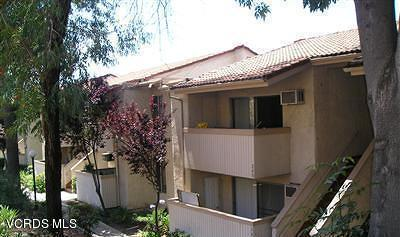 Agoura Hills Condo/Townhouse For Sale: 28915 Thousand Oaks Boulevard #2011
