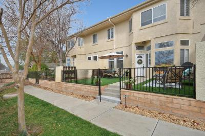Thousand Oaks Condo/Townhouse Active Under Contract: 263 North Skyline Drive