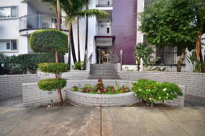 Los Angeles County Condo/Townhouse Active Under Contract: 625 North Flores Street #107
