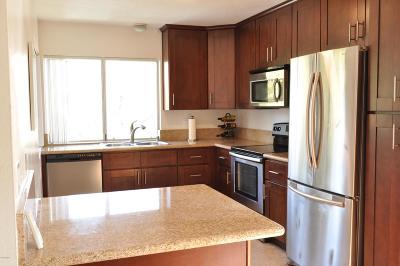 Thousand Oaks Condo/Townhouse Active Under Contract: 551 Serento Circle