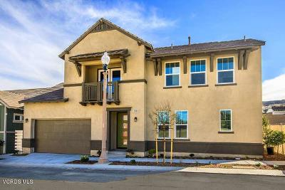 Canyon Country Condo/Townhouse For Sale: 25106 Citron Lane