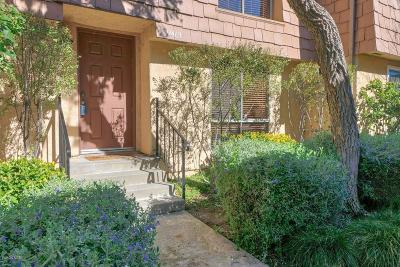 Agoura Hills Condo/Townhouse Active Under Contract: 27469 Country Glen Road