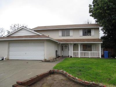 Simi Valley Single Family Home For Sale: 3039 Kenton Court