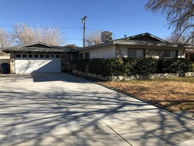 Lancaster Single Family Home Active Under Contract: 45414 17th Street Street West