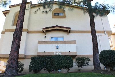 Winnetka Condo/Townhouse For Sale: 19956 Sherman Way #B