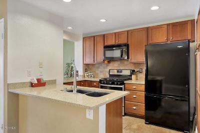 Simi Valley Condo/Townhouse For Sale: 5385 Birchcroft Street #177