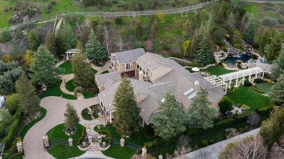 Westlake Village Single Family Home For Sale: 1025 Cheshire Hills Court