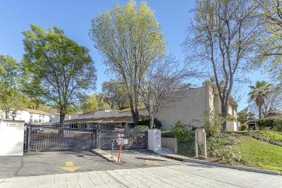 Agoura Hills Condo/Townhouse Active Under Contract: 28915 Thousand Oaks Boulevard #198