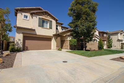 Moorpark Single Family Home For Sale: 13673 Pinnacle Way