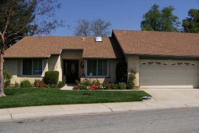 Camarillo Condo/Townhouse For Sale: 42076 Village 42