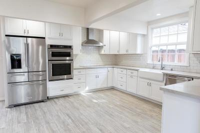 Woodland Hills Single Family Home Active Under Contract: 21304 Velicata Street