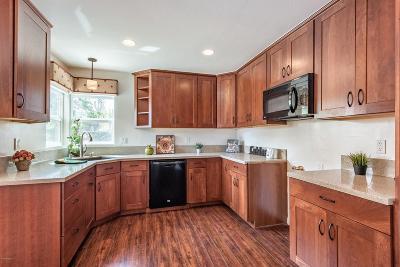 Simi Valley Single Family Home For Sale: 5496 Honeyman Street