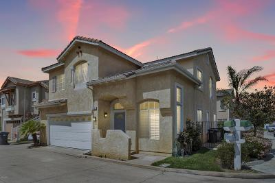 Simi Valley Single Family Home For Sale: 43 Brookpebble Lane