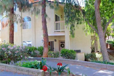 Oak Park Condo/Townhouse For Sale: 637 Indian Oak Lane #105