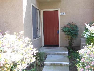 Simi Valley Condo/Townhouse Active Under Contract: 2324 Archwood Lane #84