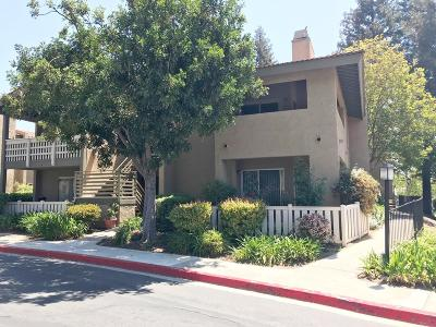 Thousand Oaks Condo/Townhouse For Sale: 424 Arbor Lane Court #102