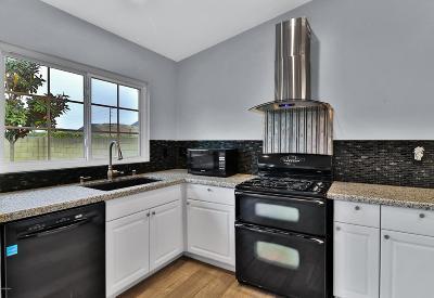 Moorpark Single Family Home For Sale: 6426 Pepperdine Circle