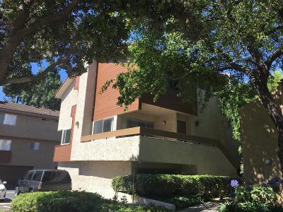 Ventura Condo/Townhouse For Sale: 775 County Square Drive #44