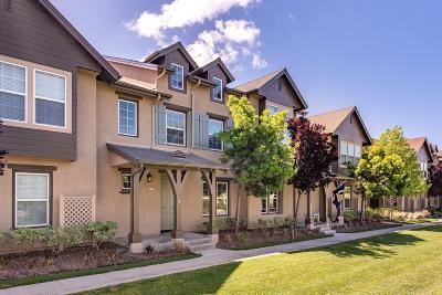 Ventura County Condo/Townhouse For Sale: 363 Feather River Place