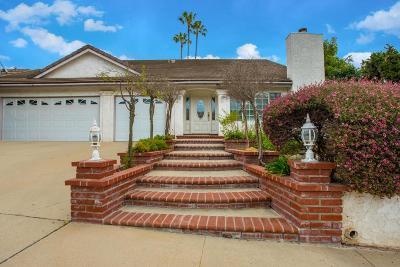 Thousand Oaks Single Family Home For Sale: 88 Fallen Oaks Drive
