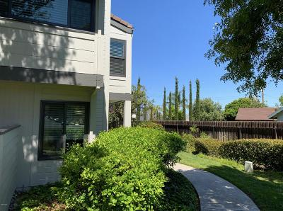 Simi Valley Condo/Townhouse Active Under Contract: 6442 Twin Circle Lane #5