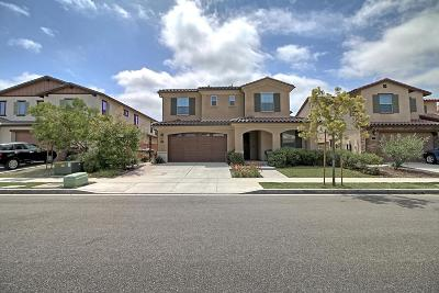 Camarillo Single Family Home For Sale: 527 Elm Cottage Court