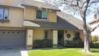Camarillo Condo/Townhouse For Sale: 639 Deerhunter Lane