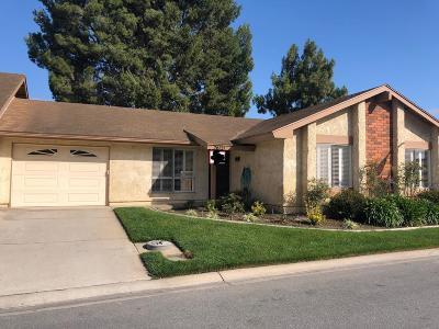 Camarillo Single Family Home For Sale: 26121 Village 26