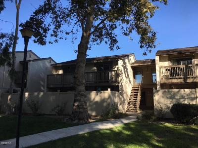 Moorpark Condo/Townhouse For Sale: 15290 Campus Park Drive #F