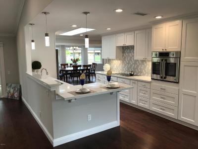 Camarillo Single Family Home For Sale: 13205 Village 13