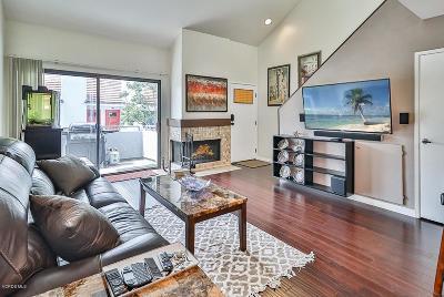 Simi Valley Condo/Townhouse For Sale: 1108 Tivoli Lane #142