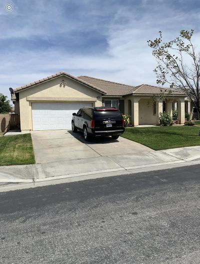 Palmdale Single Family Home For Sale: 38124 Bee Court