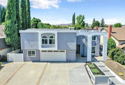 Simi Valley Single Family Home For Sale: 2311 Larch Street