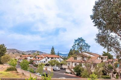 Thousand Oaks Condo/Townhouse Active Under Contract: 1580 Charterwood Court