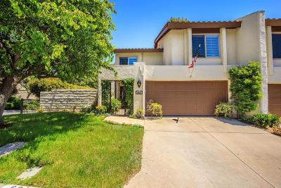 Thousand Oaks Condo/Townhouse For Sale: 664 Woodlawn Drive
