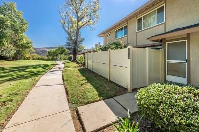 Agoura Hills Condo/Townhouse For Sale: 28546 Conejo View Drive