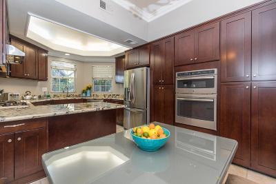 Woodland Hills Condo/Townhouse For Sale: 20950 Oxnard Street #4