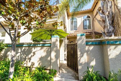 Thousand Oaks Condo/Townhouse For Sale: 644 Warwick Avenue