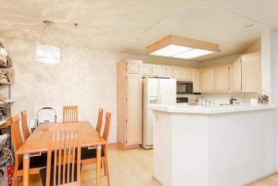 Oak Park Condo/Townhouse For Sale: 697 Sutton Crest #211
