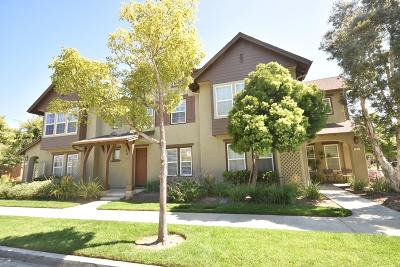 Oxnard Condo/Townhouse For Sale: 2903 Rocky Mountain Drive