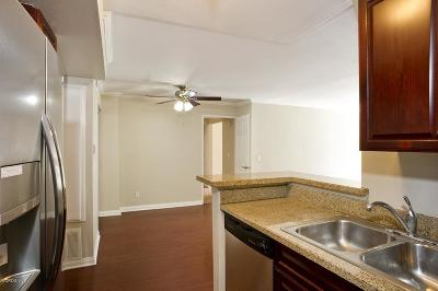 Woodland Hills Condo/Townhouse For Sale: 21500 Burbank Boulevard #204