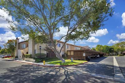 Simi Valley Condo/Townhouse For Sale: 1724 Sinaloa Road #221
